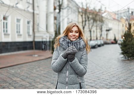 Stylish Beautiful Woman In Winter Fashion Clothes In The City.