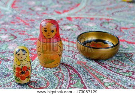 Russian Nesting Dolls On The Traditional Handkerchief.
