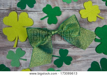 Irish Traditional Accessories Green Shiny Bow And Clover Leaves