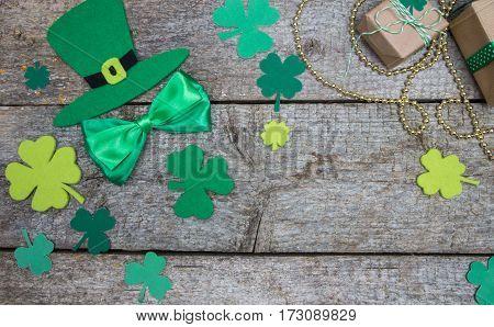 Hat Patricks, Gifts, Shamrocks And Quatrefoil. Irish Traditional Decorations