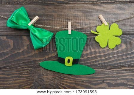 Hat St. Patrick Chetyrehlisnik Clover And Bow On Clothespins
