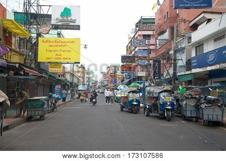 BANGKOK, THAILAND - DECEMBER 15, 2016: Early cloudy morning on Khaosan Road Street