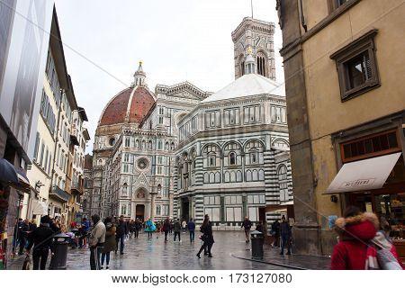 FLORENCE ITALY - FEBRUARY 06 2017: Piazza del Duomo (Cattedrale di Santa Maria del Fiore) in Firenze Italy