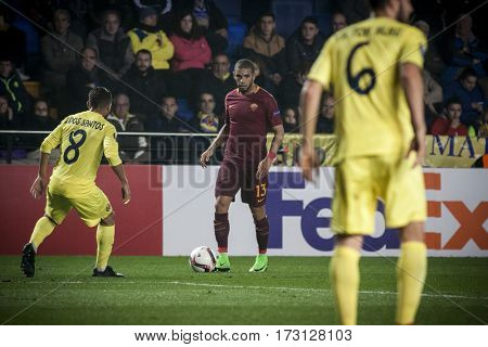 VILLARREAL, SPAIN - FEBRUARY 16: Bruno Peres (c) during UEFA Europa League match between Villarreal CF and AS Roma at Ceramica Stadium on February 16, 2017 in Villarreal, Spain