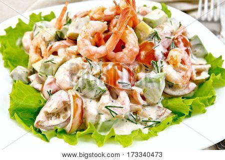 Salad With Shrimp And Avocado In Plate