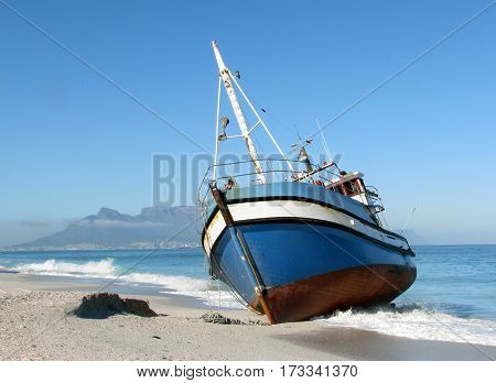 SHIP RUN AGROUND, CAPE TOWN SOUTH AFRICA 14lll