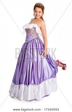 Junge verspielte Smiley Frau im Ball-Kleid
