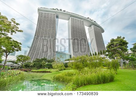 MARINA BAY SINGAPORE - JAN 20 2017: Landscape of the most hotel Marina Bay Sands in Singapore.