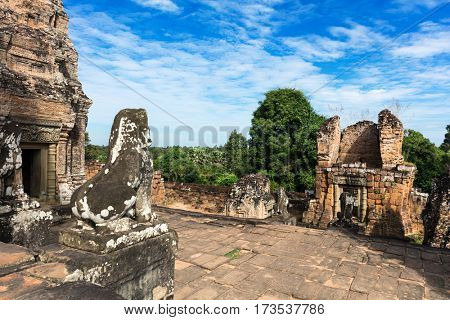 ruins of the East Mebon temple, Angkor area, Siem Reap, Cambodia