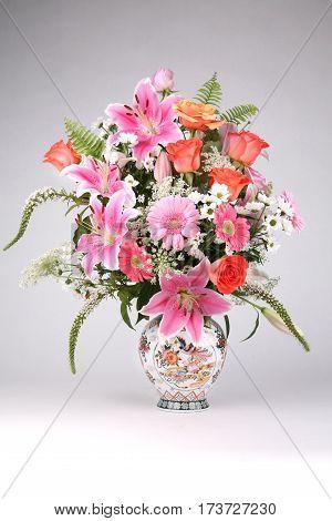 vase flowers bouquet floral , fresh beautiful nature