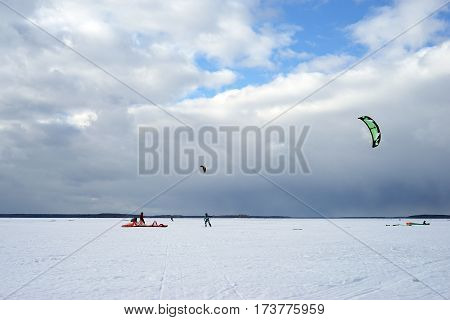 kite, snow, surfing, kiteboard, ice, winter, ski, white, landscape, cold, nature, men