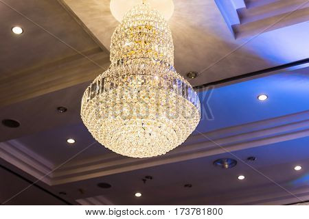 Luxury Chrystal Chandelier Interior