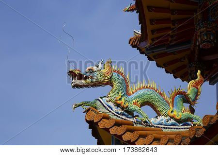 Beautiful dragon statues at the Zizhu Temple or Purple Bamboo Temple as it is known was built over 300 years ago and has been renovated several times over the years.