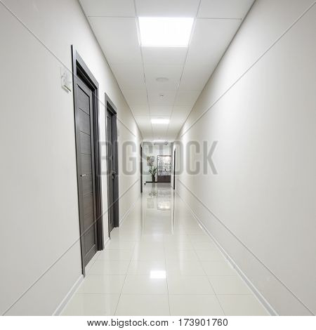 The image of an empty corridor