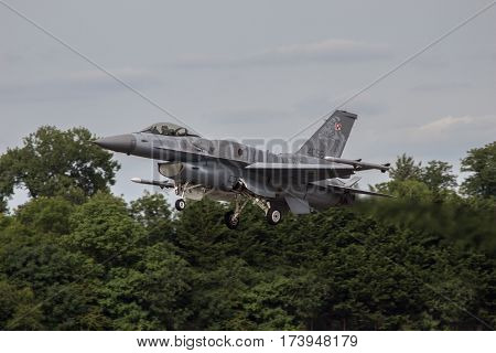Polish Air Force F16 Lands At Riat
