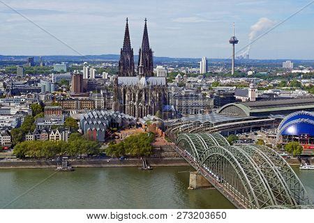 Kölner Dom (cologne Cathedral) And Hohenzollern Bridge, Cologne, Germany