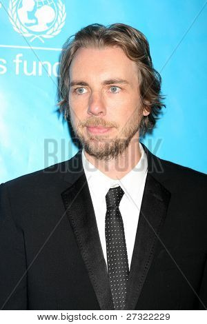 LOS ANGELES - DEC 8:  Dax Shepard arrives at the 2011 UNICEF Ball at Beverly Wilshire Hotel on December 8, 2011 in Beverly Hills, CA