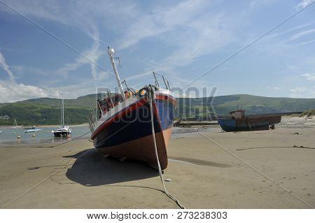 Barmouth Town And Harbour On The Estuary Of The River Mawddach And Cardigan Bay, The Marina And Quay