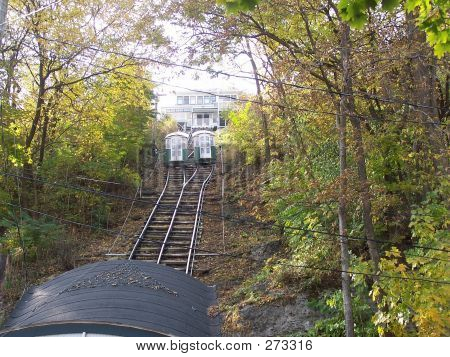 Cable Cars In Dubuque, Iowa