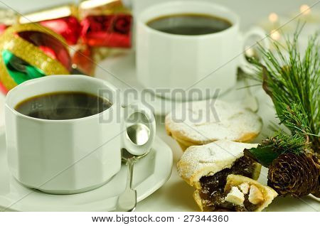 christmas coffee with mince pies