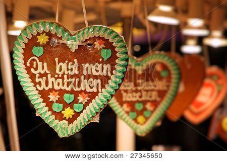 traditionelle deutsche handgemachte Lebkuchenherz