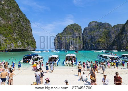 03/02/2018. Island Ko Phi Phi Le ( Ko Phi Phi Leh , Thailand. Maya Bay. Many Tourists From Around Th