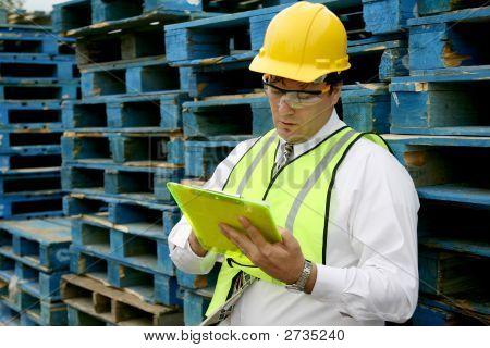 Cargo Worker