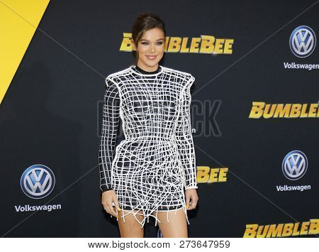 Hailee Steinfeld at the World premiere of 'Bumblebee' held at the TCL Chinese Theatre IMAX in Hollywood, USA on December 9, 2018.