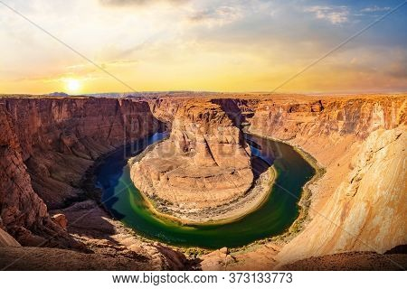Horseshoe Bend Panorama View On Sunset. The Most Famous Landscape At Glen Canyon Nation Park In Ariz