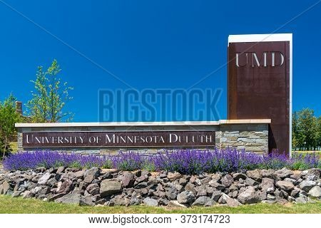 University Of Minnesota Duluth Entrance And Trademark Campus Logo