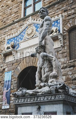 Florence, Italy - October 2019: Statues Of Hercules And Cacus By Baccio Bandinelli Situated At Palaz
