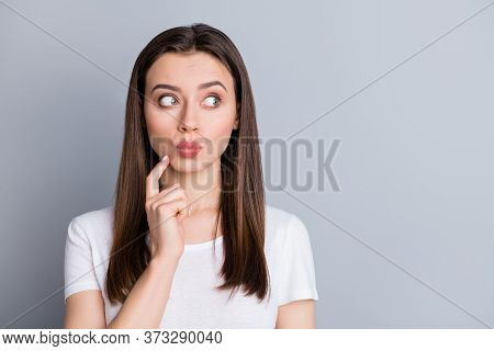 Closeup Photo Of Attractive Lady Groomed Hairdo Look Interested Side Empty Space Listen Quarantine N