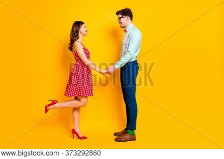 Full Size Profile Photo Of Pretty Lady Handsome Guy Prom Party Couple Photographing Hold Arms Wear R