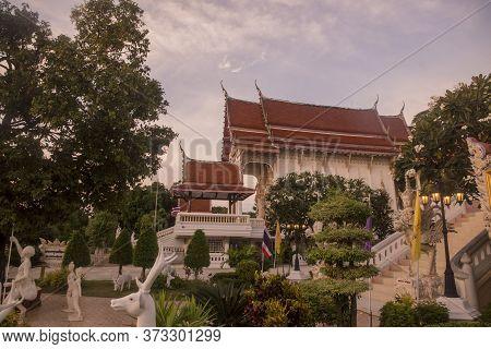 Thailand Phetburi Wat Tham Kaeo Temple