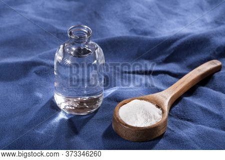 Baking Soda And Vinegar - Text Space
