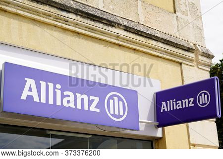 Bordeaux , Aquitaine / France - 06 01 2020 : Allianz Insurance Logo Sign Store In Office Building Of