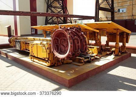Mining Of Potash Ore In An Underground Mine Using A Mining Machine