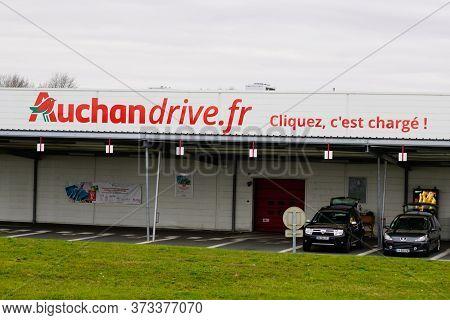 Bordeaux , Aquitaine / France - 01 15 2020 : Auchan Drive Supermarket Hypermarket Logo Sign Brand St