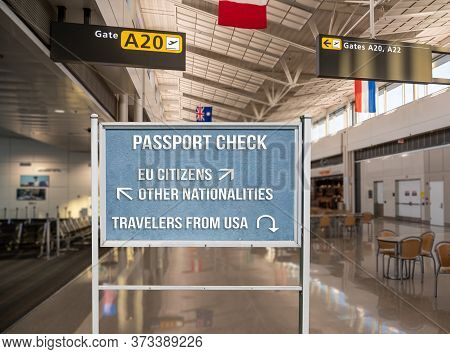 Concept Of Notice Board Telling Travelers From Usa To Return Home Because Of Coronavirus Travel Ban