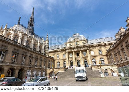Palace Of Justice (palais De Justice) And Holy Chapel (sainte Chapelle), Paris, France - May 2019