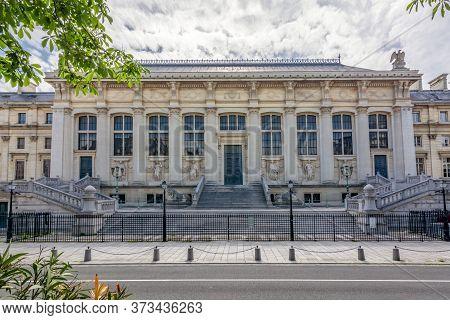 Palace Of Justice (palais De Justice) On Cite Island, Paris, France