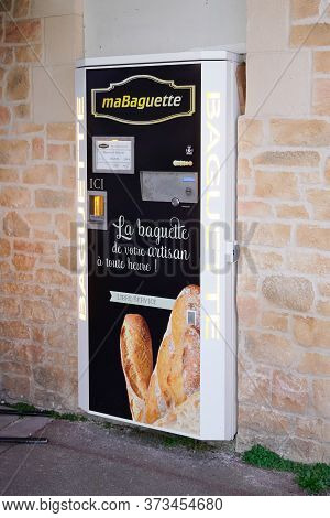 Bordeaux , Aquitaine / France - 03 03 2020 : Mabaguette Automatic Distributor Of Fresh Bread