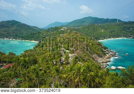 Tropical island paradise in Thailand, Koh Tao. View from John-Suwan Viewpoint on Chalok baan kao bay and Shark Bay