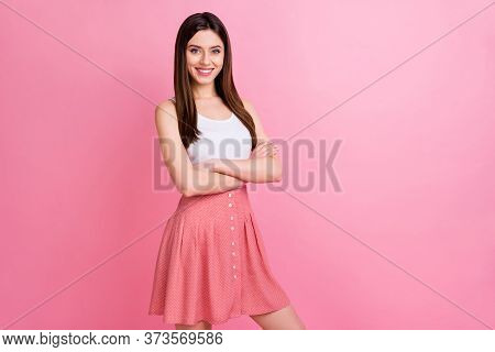 Photo Of Cute Lady Good Mood Beaming Smile Long Hairdo Arms Crossed Self-confident Person Wear Casua