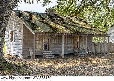 Saint James Parish, Louisiana - October 6, 2019 Out Building House Oak Trees Oak Alley Plantation Ho