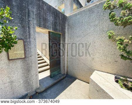 Entrance Door At The Wrigley Memorial Monument At Wrigley Memorial And Botanic Garden On Santa Catal
