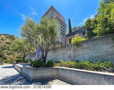 Wrigley Memorial Monument At Wrigley Memorial And Botanic Garden On Santa Catalina Island, Californi