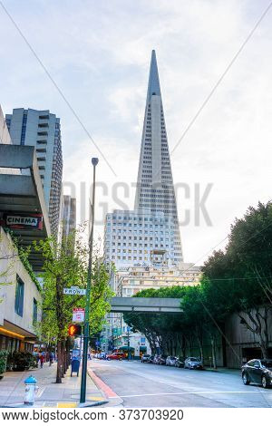 San Francisco - April 2, 2018: Iconic Transamerica Pyramid Rises Above The Skyline In Downtown San F