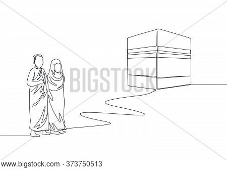 Single Continuous Line Drawing Of Muslim And Muslimah Pilgrim Walk To Holy Place Kaabah At Mecca, Sa