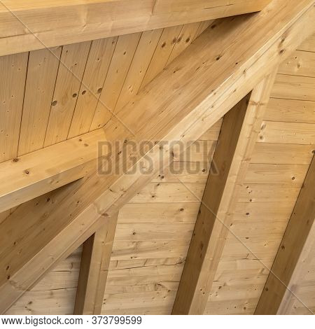 Wooden Ceiling With Exposed Beams. Interior Wooden Roof With Exposed Beams.